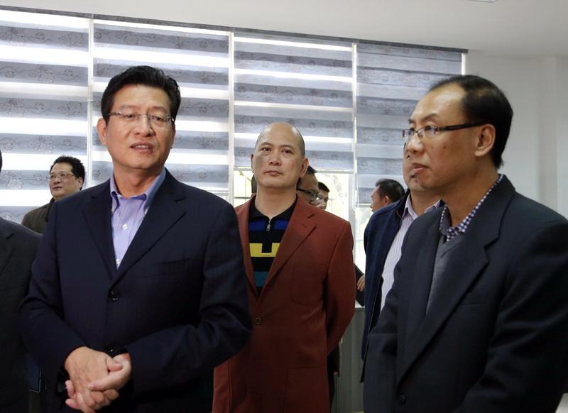 郑俊康:媒体要为经济社会发展营造良好舆论环境