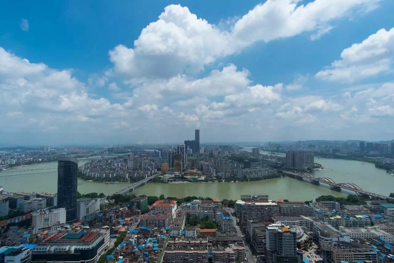 柳州成立九大集团 衣食住行全包了
