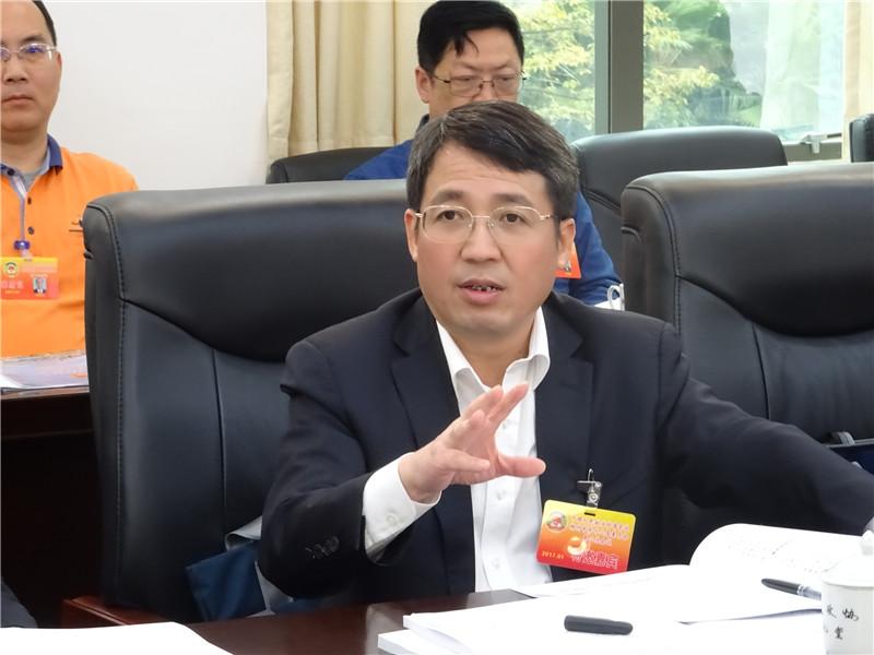 吴炜:营造良好的发展环境 助力企业成长