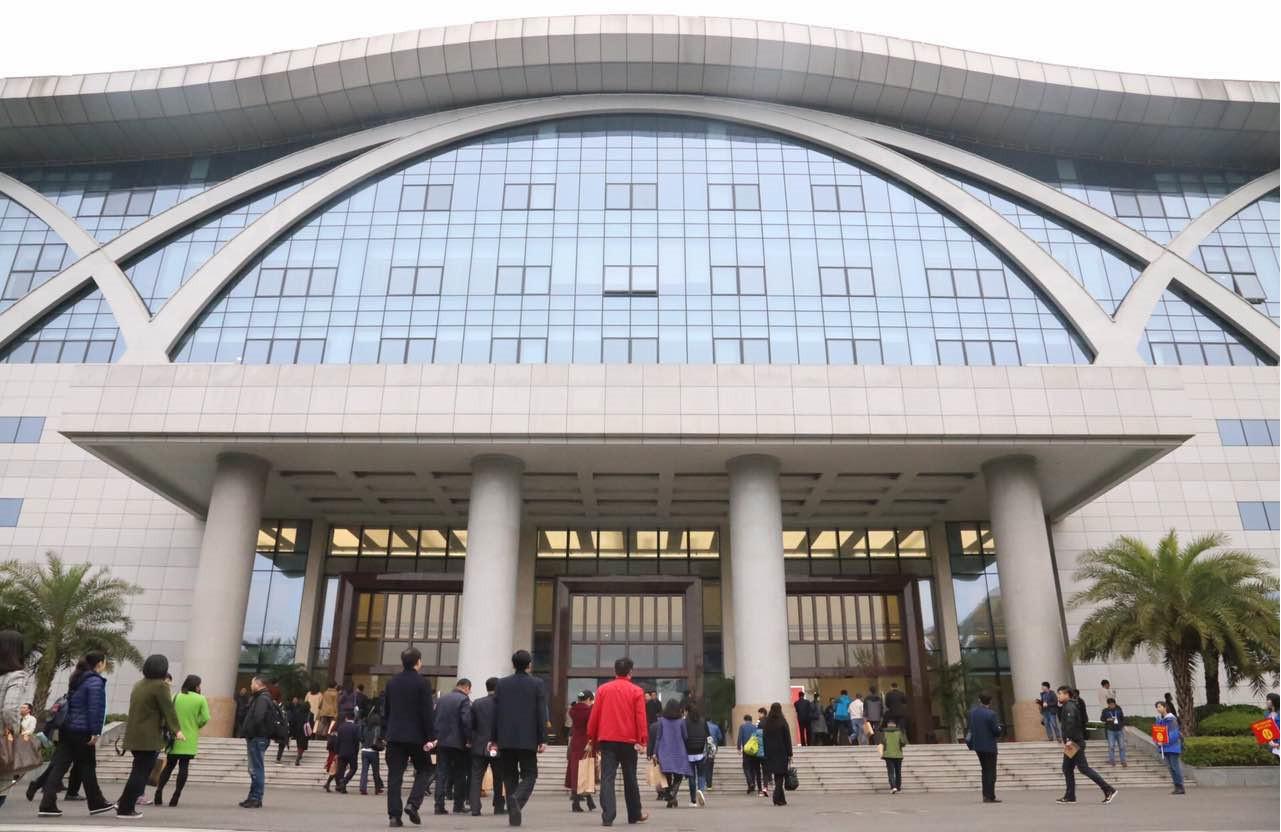 """紫荆时节 全国130个城市智囊团来柳讲述""""春天的故事"""""""