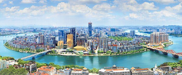 《广西日报》盛赞柳州:奏响人与自然和谐共生乐章