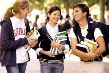 教育部:留学认证可网上办理 申请材料取消文凭翻译件