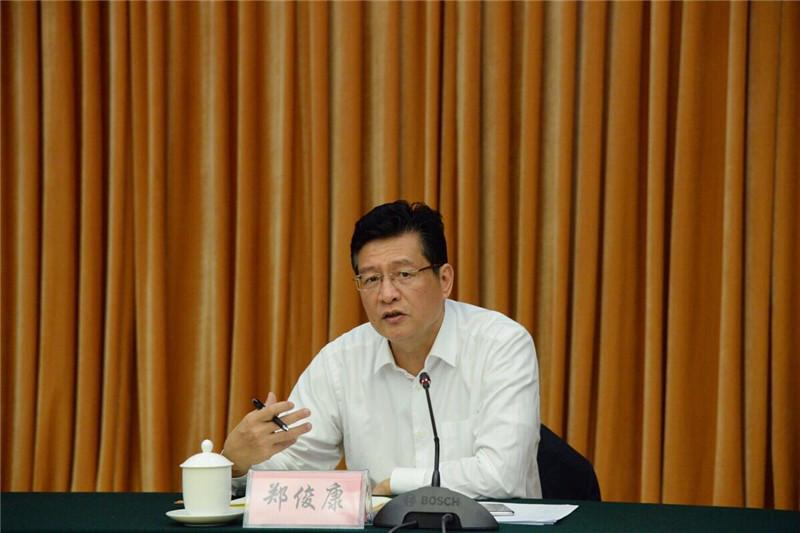 """柳州也有""""三座大山"""",但书记市长今天为企业家派送定心丸: 坚决支持民营经济发展!"""