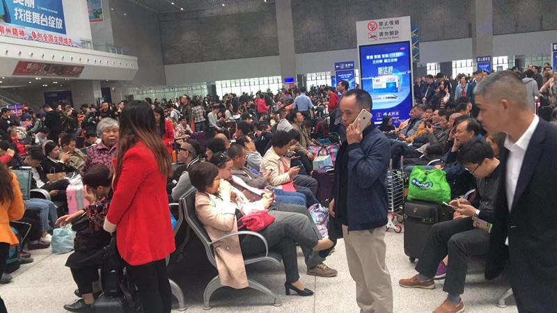 上午大量旅客滞留柳州火车站后续:列车陆续抵达 情况有所缓解