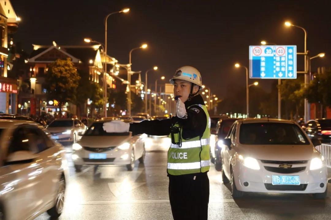 春节长假54名驾驶人被记12分 只因他们一时侥幸这样开车