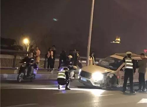 """""""3·12""""文昌大桥交通事故肇事司机涉嫌""""毒驾"""" 已被拘留"""
