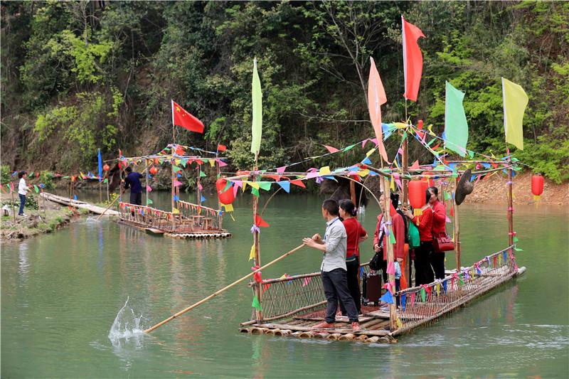 【假日旅游】柳州接待游客近74万人次,他们最爱去……