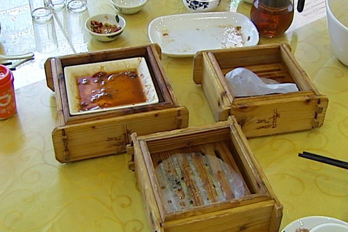 """""""吃""""出餐桌上的文明 吃多少点多少、光盘、打包!"""