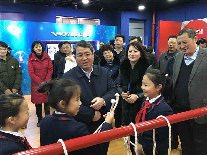 """市长吴炜今天走进校园""""上课"""",他都讲了啥?"""