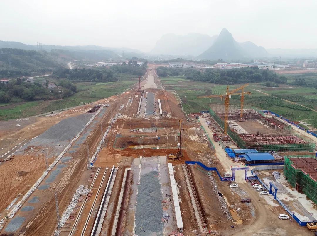 焦柳线融安站站房主体结构已经封顶 预计年底投入使用