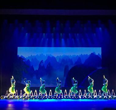 昨夜,《白莲》在国家大剧院璀璨绽放