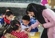 广西招募退休教师下乡支教 每学年补助3万元