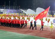 柳州代表团方阵亮相区运会开幕式 一抹红惊艳全场