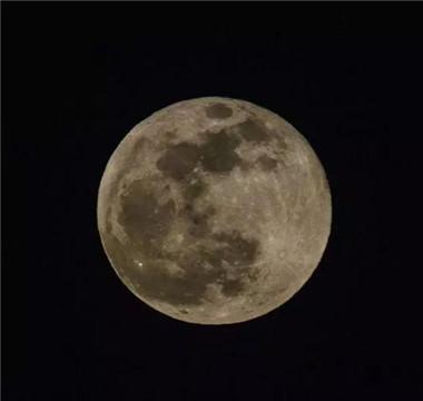 """今年最后一次""""超级月亮""""将现身天宇"""