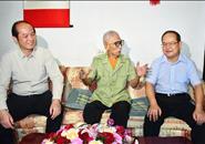 鹿心社在柳州走访慰问老战士老党员和全国劳模