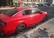 一夜之间10多辆小车被砸?给力!柳东警方快侦快破系列砸车窗盗窃案